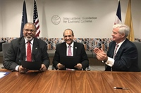 JCE y la IFES firman acuerdo bilateral en Washington