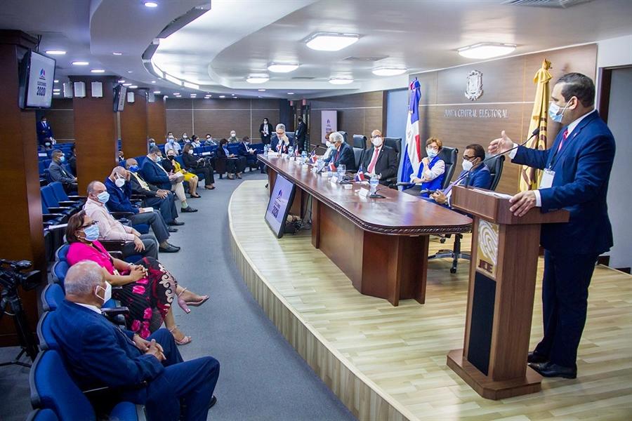 Pleno JCE sostiene reunión con presidentes y secretarios de municipios cabecera previa celebración de Elecciones del 5 de julio